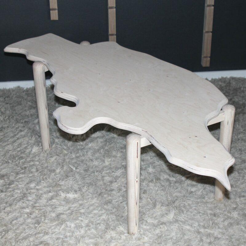 Unikt sofabord formet som Jylland.